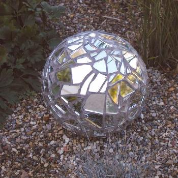 Continuing in the homemade garden ornament theme from the last couple of days, check out what Ann D